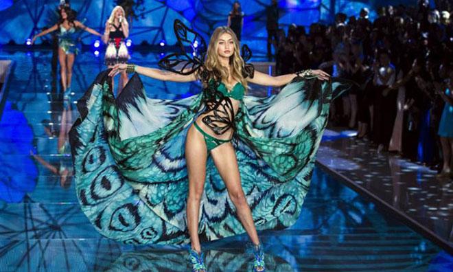 2015 Model Victoria Secret