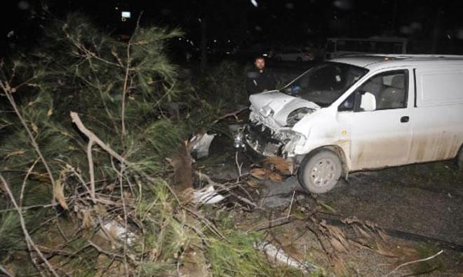 Antalya'yı Şiddetli Fırtına Vurdu