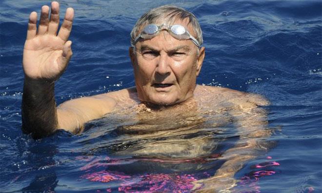 Baykal AKP Havuzunda Yüzdü