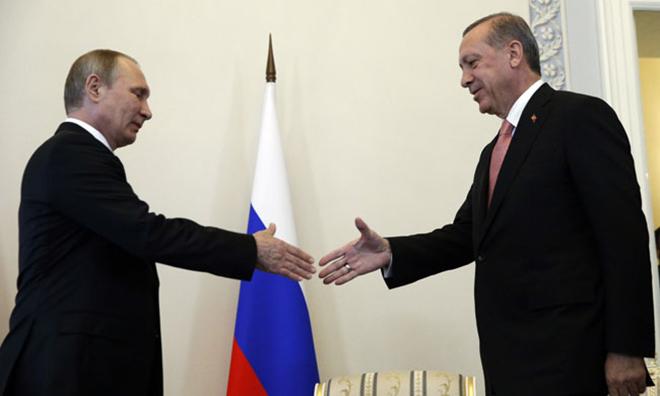 """""""Erdoğan ile Putin'in Anlaştığı Yalan"""""""