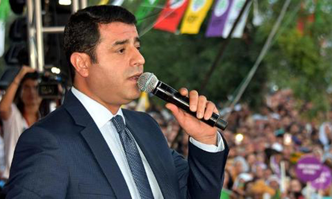 """""""Partisini Sattı. Bilal'i Alamadı, 3 Hilali Verdi"""""""