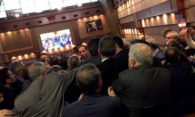 AKP'liler Erdoğan'ın Sözlerine İsyan Etti