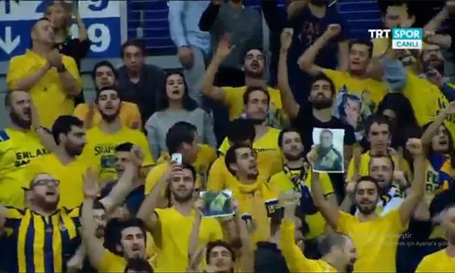 """""""Türkiye Laiktir Laik Kalacak"""""""