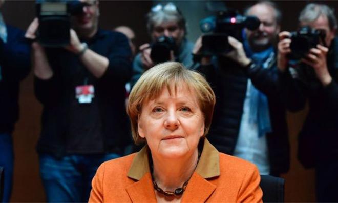 Merkel'in Koca Kulağı