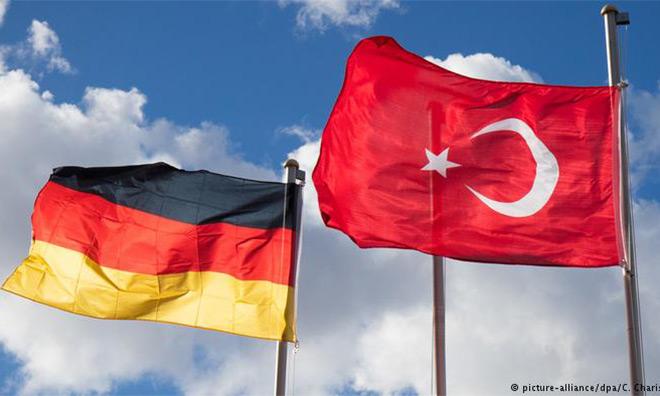 Almanya'dan Referandum Uyarısı