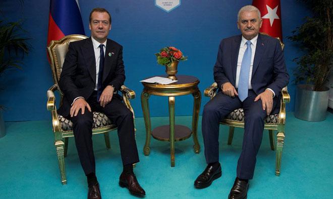 Kötü Haberi Medvedev Verdi