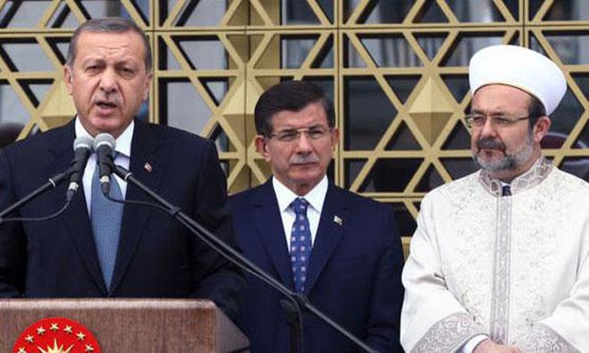"""Davutoğlu da """"Görmedi"""""""