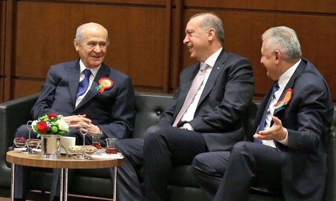"""AKP'nin Ortağı Bahçeli'den """"Yeni Devlet"""" Tepkisi"""