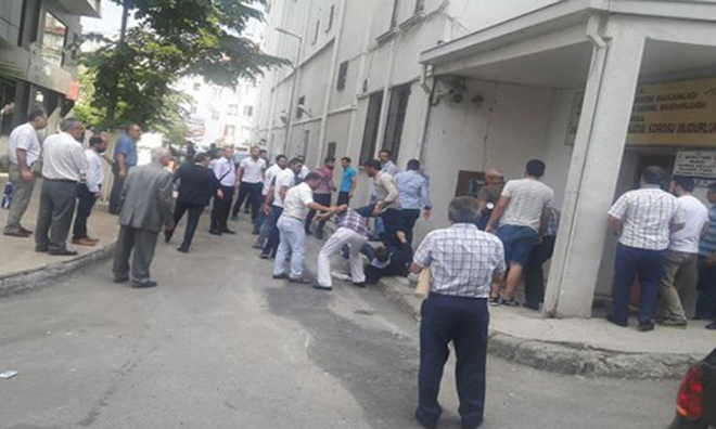 MHP'nin Eski İl Başkanlarına Yumruklu Saldırı