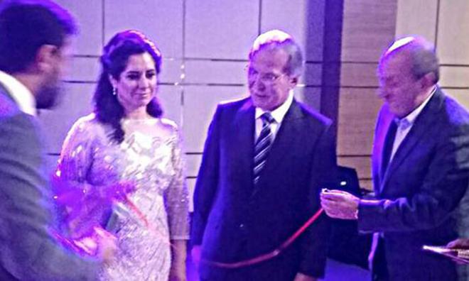 Sekreteriyle Evleniyor