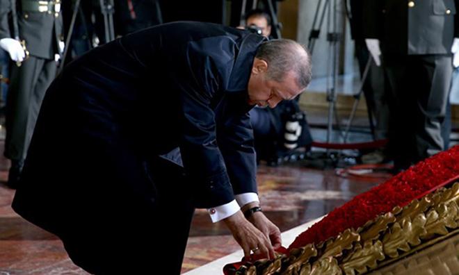 """""""Atatürk'ü Seven Müslüman Değildir"""""""