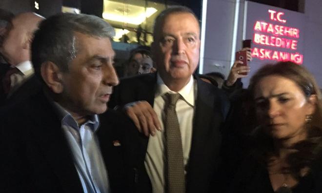 CHP'li Ataşehir Belediye Başkanı İlgezdi Görevden Uzaklaştırıldı