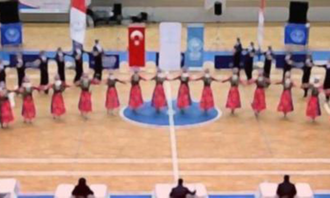 Macaristan'a Giden 11 Kişilik Halk Oyunları Ekibi İltica Etti