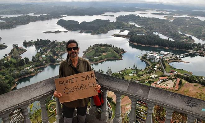 Kolombiya'dan Ahmet Şık Mesajı