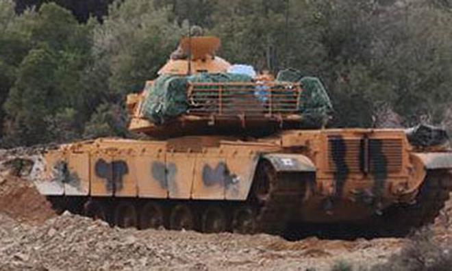 Türk Tankları Sınırı Geçti