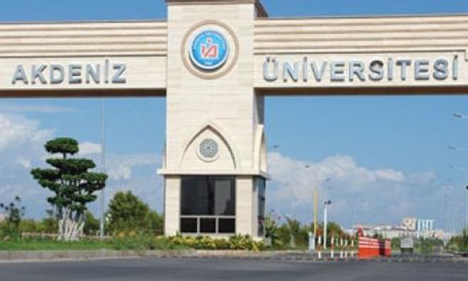 Akdeniz Üniversitesi'nde Skandal!