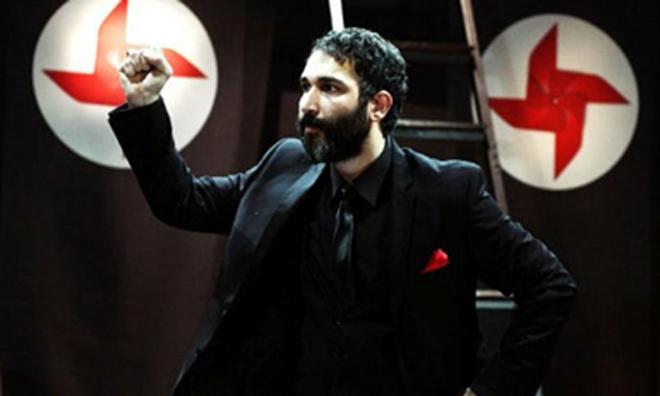 İstanbul Polisi 'Sadece Diktatör' Arıyor