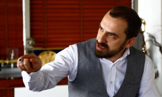 Saray'ın Anketçisi: AK Parti Genel Merkezi'nde Panik Var