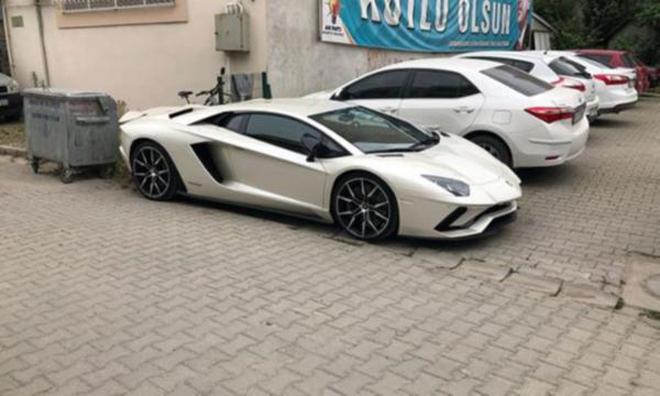 Yerli, Milli ve Lamborghini'li