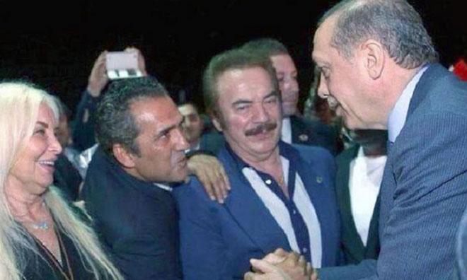 """""""Türkiye Özgür, Burada Yere Tükürebiliyoruz"""""""