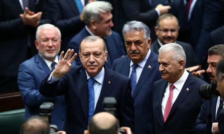 AKP'de Önemli isimler Çizik Yedi