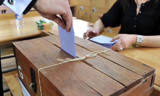 Diyarbakır'da İki Aday  AKP'yi Karıştırdı